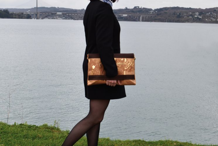"Bag Affair Sassy laptop 15.6"" and documents cork bag for working women, fair fashion with elegance using vegan cork and practical minimalist French designs."