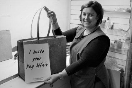 Photo in black and white of one of the bag makers of Bag Affair brand