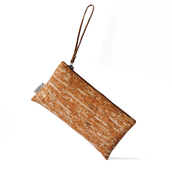 Wristlet bag made of fennel and cork white background